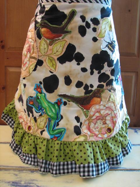 Calamity Kim reversible style ruffled apron